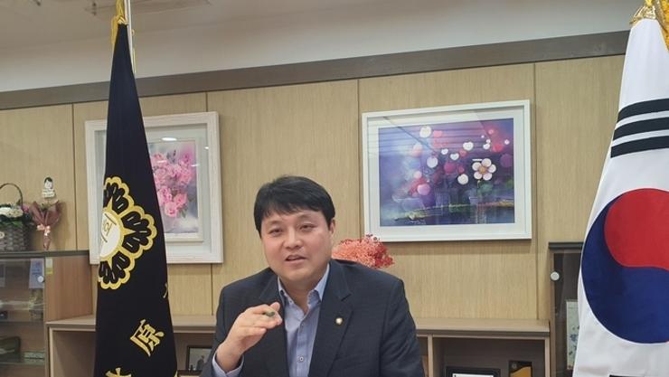 """수원시의회 조석환의장,"""" 작은일에도 최선을 다하며 새로운 믿음을 쌓아 가겠다"""""""